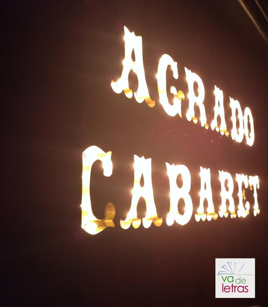 """En el cabaret Agrado durante la presentación de """"las ganas"""" de Santiago Lorenzo."""